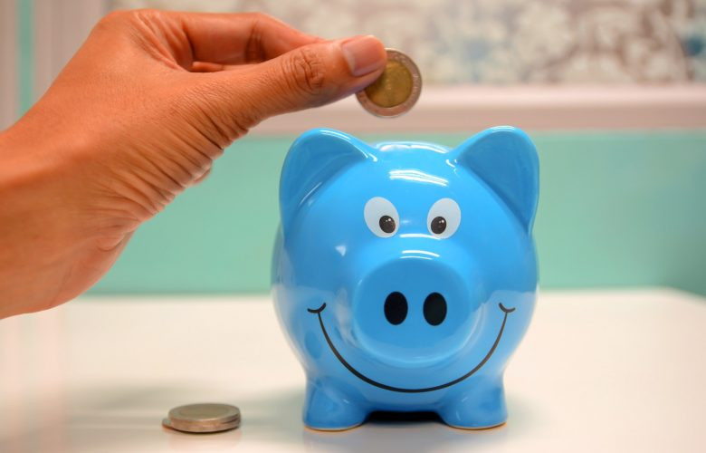 Living on a Budget: A Few Ways to Trim Expenses at Home