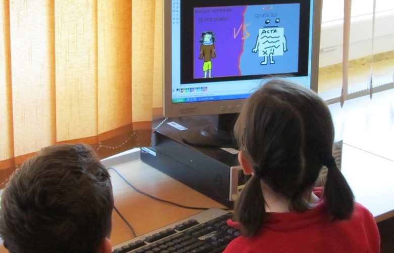 5 Ways to Encourage Less Screen Time with Kids