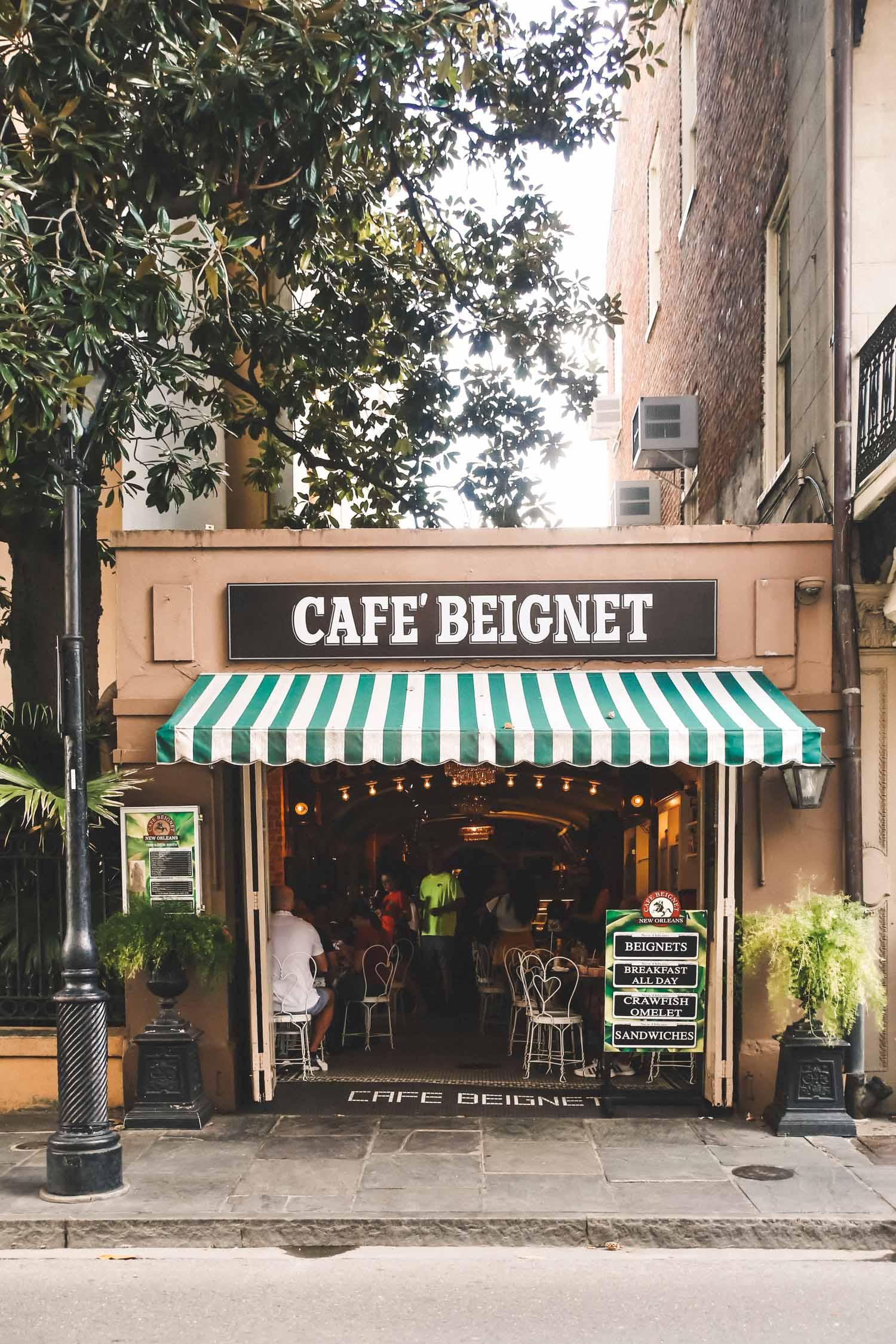 New Orleans Louisiana cafe beignet