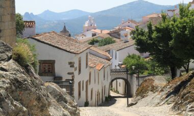 10 Essential Tips When Looking for Vacation Rental Property in Portugal